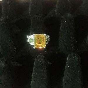 Jewelry - 🌛Citrine & Peridot Cocktail Ring